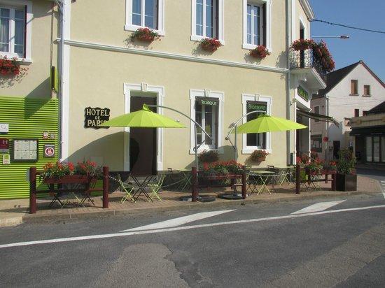Hotel  De Paris : terrasse de la brasserie