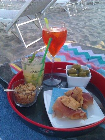 Oscar Spiaggia 298 : aperitivo sotto l'ombrellone