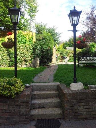 Waterloo House: Garden