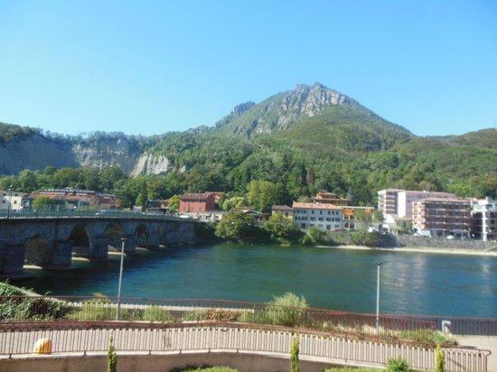 NH Lecco Pontevecchio: Vue de la chambre coté lac