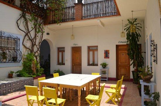 El Diablo y La Sandia Libres: patio pour le petit déjeuner