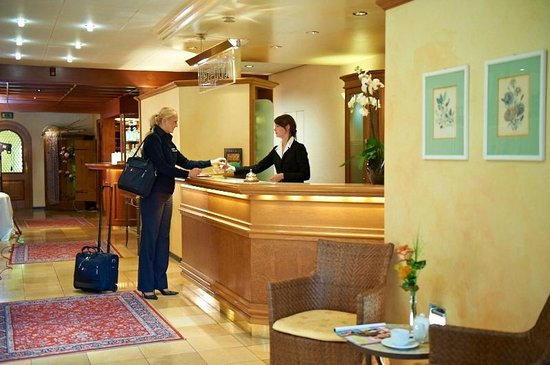Hirsch Hotel Gehrung: Rezeption/Empfang