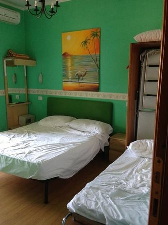 When In Rome Accommodation: Tripla con bagno interno