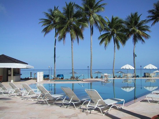 Palau Pacific Resort: swimming pool