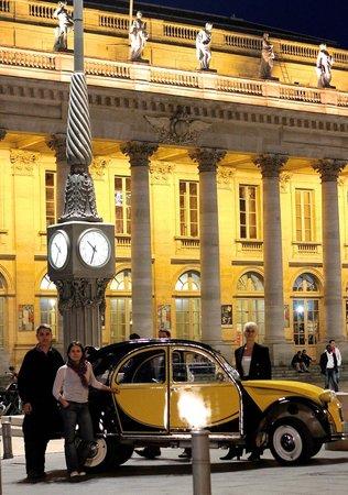 Bordeaux 2cv Tours : Le Grand Théâtre de nuit.