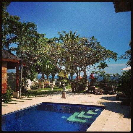 Frangipani Beach Boutique Hotel: Frangipani pool