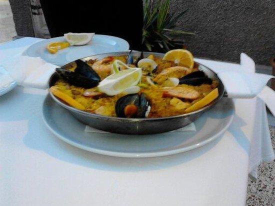 Restaurante Miramar Yumbo: paella