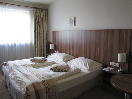 Quality Hotel Augsburg: camera da letto