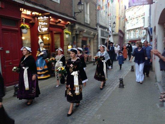 Crêperie Au Vieux Vannes : les fêtes d'arvor costumées