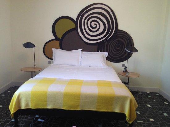 shower room 8 picture of hotel du cloitre arles. Black Bedroom Furniture Sets. Home Design Ideas