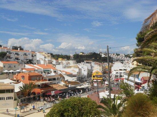 Rocha Brava Village Resort: View of the local town Carvoeiro - bars, restaurants, shops, beach
