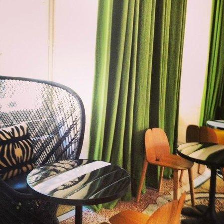 Hotel du Cloitre: Breakfast room
