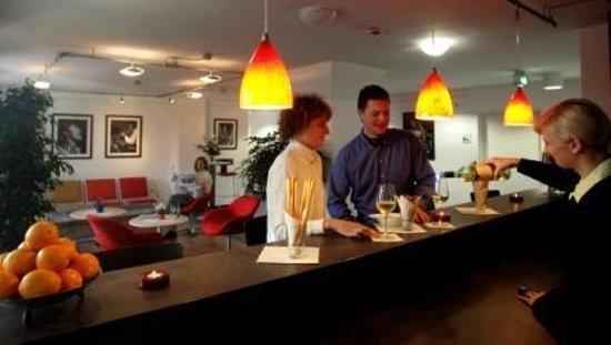 Hotel im Kornspeicher: Lobby & Barbereich