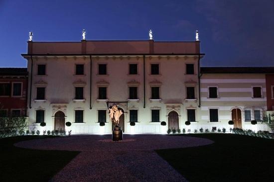 B&B Luxory Verona - Villa Baietta: incantevole facciata dell'ottocento