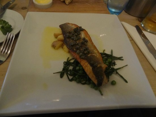 Blyth Hotel: Sea bass