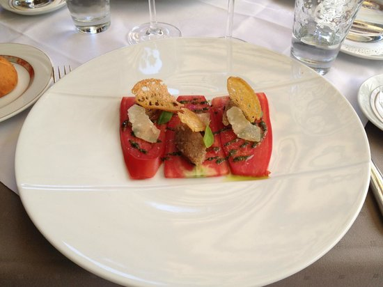 La Pommeraie: entrée tomates cornues au parmesan