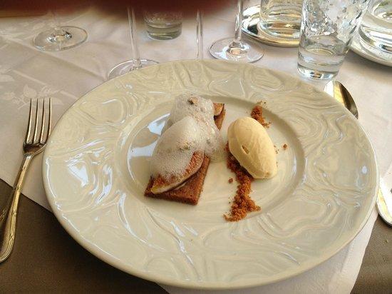 La Pommeraie : au dessert des figues rôties un sablé spéculoos glace tonka