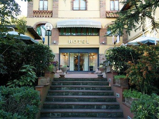 호텔 빌라 앰브로시나
