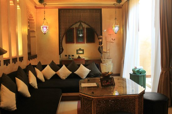 The Baray Villa: living room area