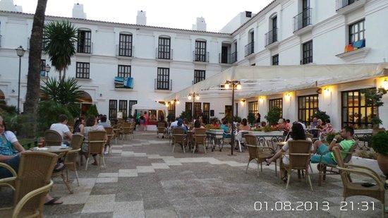 Dinner entertaining picture of ilunion hacienda del - Hotel puerta del sol mijas ...