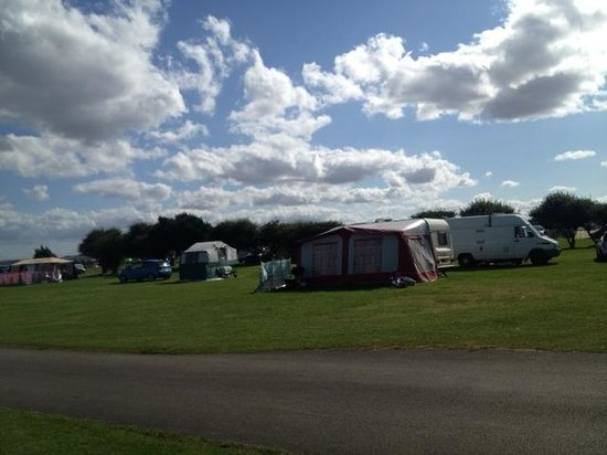 Filey Brigg Touring Caravan Park: Campsite