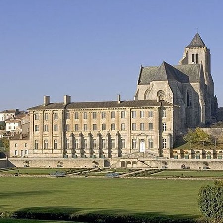 Abbaye royale de celles sur belle