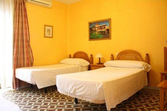 Funky Meridiano Hostel Granada: Twin room