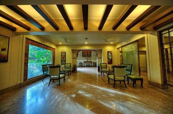 Zara's Resort: The Lobby Lounge