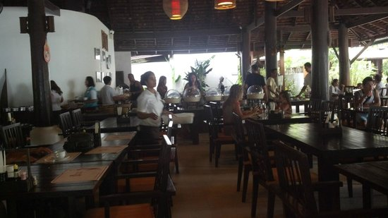Chaweng Garden Beach Resort: Breakfast area (on the beach)