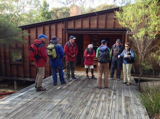 Freycinet Experience Walk Friendly Beaches Lodge: deck off the main lodge