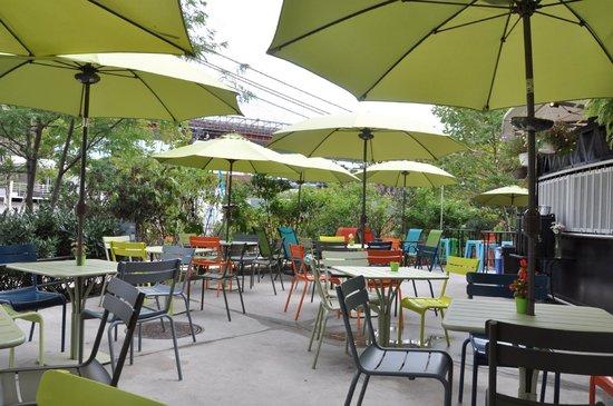 Brooklyn Bridge Garden Bar - Picture of Brooklyn Bridge Garden Bar ...