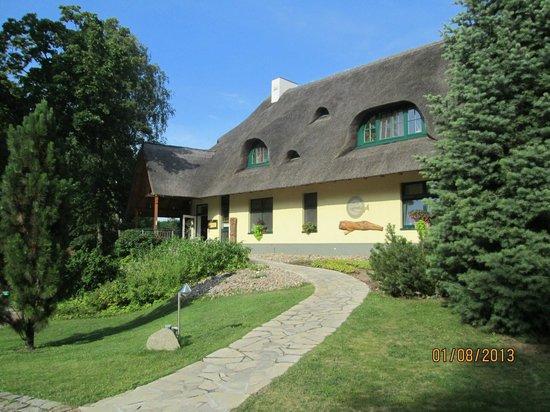 Fischhaus: Landseite des Haupthauses