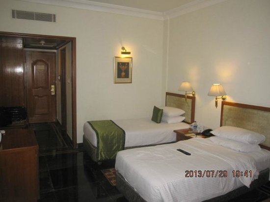Regency Madurai by GRT Hotels: bed