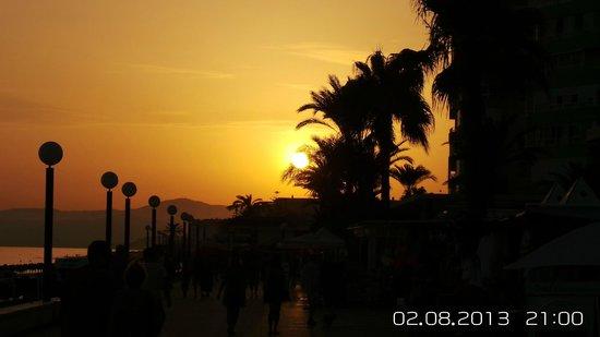 Paseo Marítimo de Torrox Costa: Sunsets @ Torrox