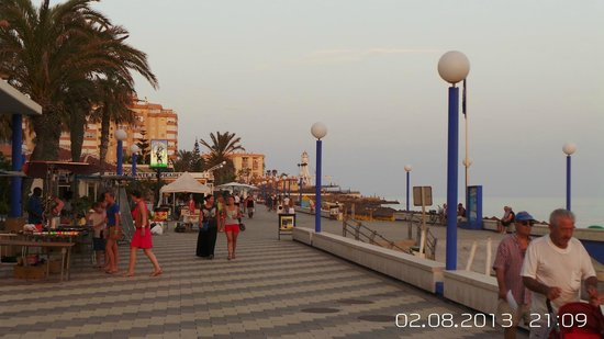 Torrox, Spanien: Promenade via the day