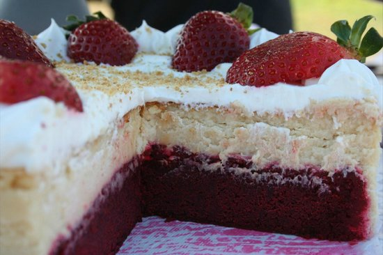 Julia Bakery Malaga: Red velvet cheesecake