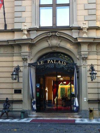 Le Palais Art Hotel Prague: l'entrée