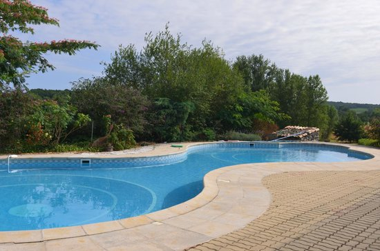 Saint Julien d'Eymet, France : pool and rest area