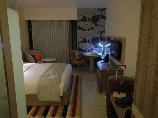 Holiday Inn Express Phuket Patong Beach Central : room