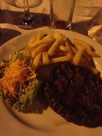 "Da Anas: Un ""hamburger"" selon ce restaurant.. très déçu !"