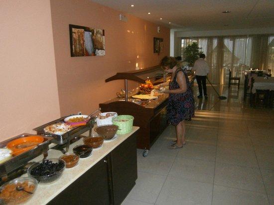 Atrion Resort Hotel : frukost
