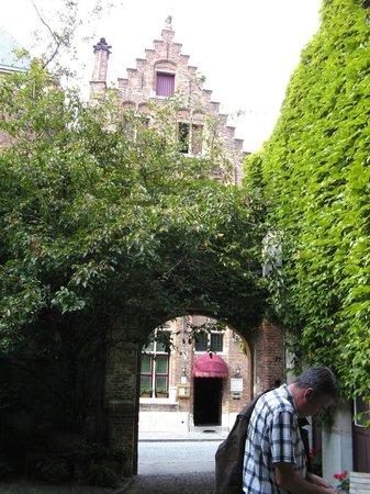 Hotel Het Gheestelic Hof: Innenhof