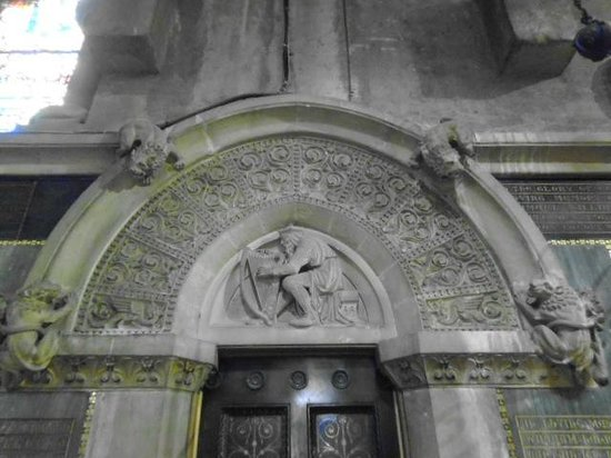 St Fin Barre's Cathedral: King David playing the Harp