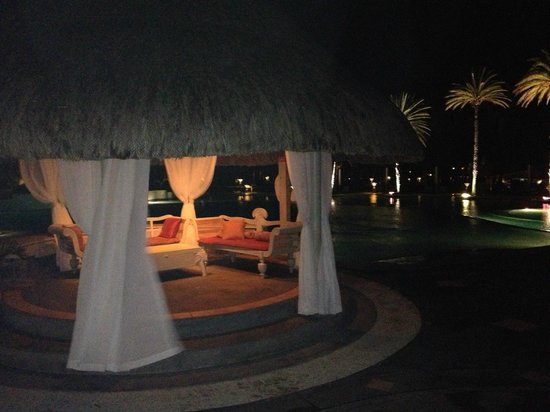 LUX* Belle Mare: At night near the bar with live music