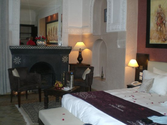 Le Riad Monceau: Our bedroom on the first floor