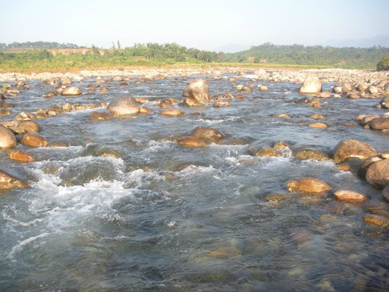 Jalpaiguri, India: hilly river(murti)