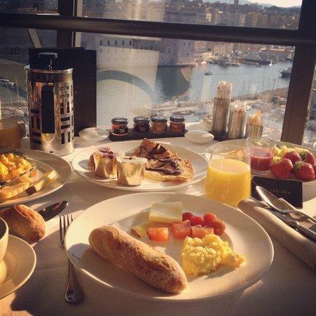 Sofitel Marseille Vieux-Port : Petit déjeuner