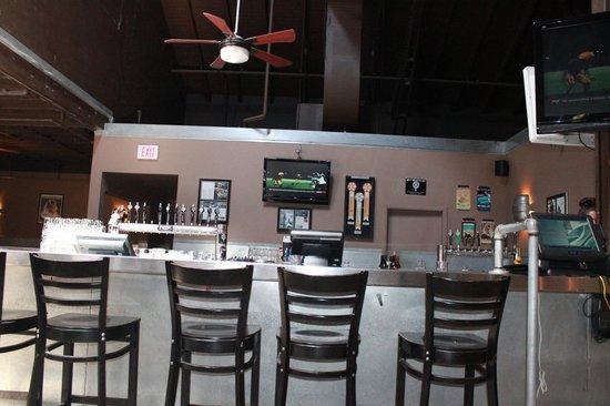 Maui Brewing Co. Brewpub: The inside bar