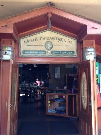 Maui Brewing Co. Brewpub: The Entrance