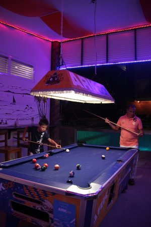 Ark Bar Beach Club : le billard
